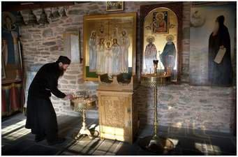 монах послушание