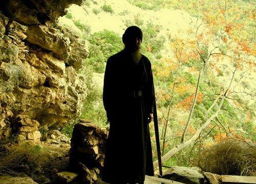 старец монах