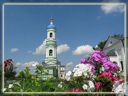 Колокольня и Казанский храм